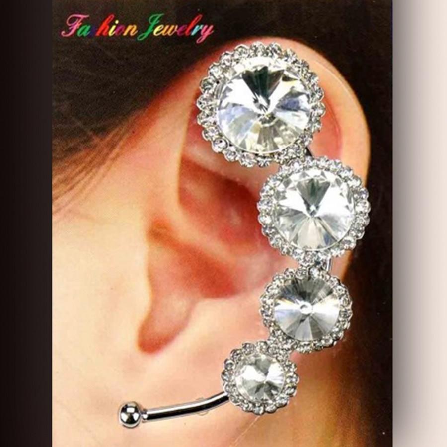 Boucle tour d'oreille avec cristaux, ornée de strass