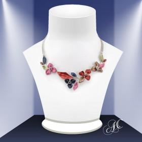 Collier de fleurs, divinement romantique