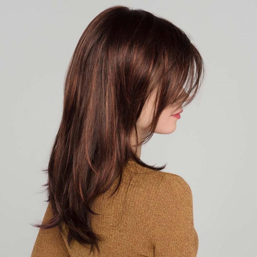 Perruque longue monofilament, une coiffure jeune